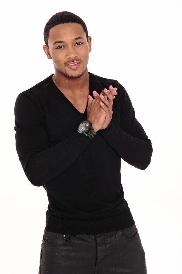 Romeo All Black
