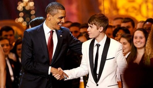 "Obama Sings ""Boyfriend"" by Justin Bieber (Video Inside)"